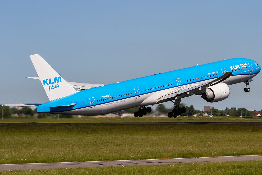 KLM Royal Dutch Airlines Offers and Offices in UAE